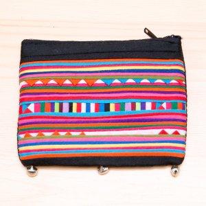 リス族刺繍 かわいい鈴のついたポーチ