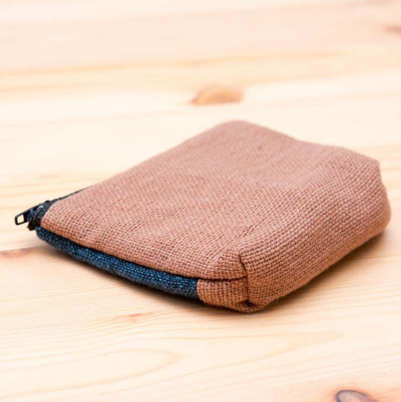 A Bu-Ali(アブアリ)ヤオ族刺繍小物ポーチ Type.1