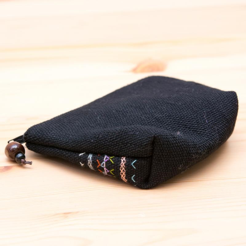 A Bu-Ali(アブアリ)アカ族刺繍小物ポーチ(黒)Type.2