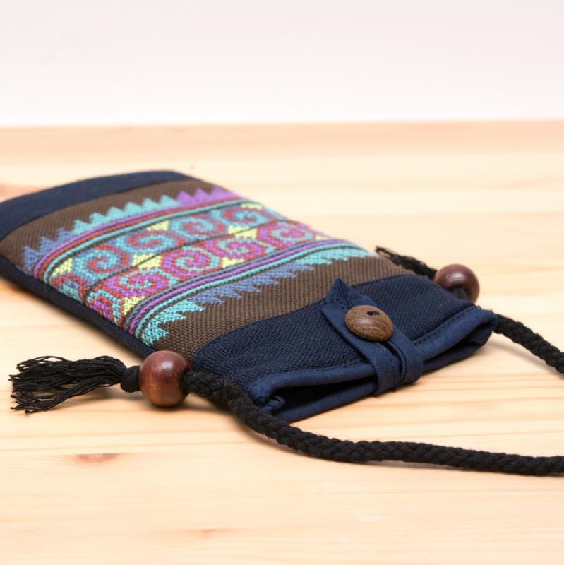 画像2:A Bu-Ari(アブアリ)アカ族刺繍パスポートポーチ