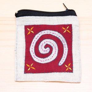 ラオス モン族の子供が頑張って刺繍したポーチ Type.1