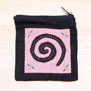 ラオス モン族の子供が頑張って刺繍したポーチ Type.2