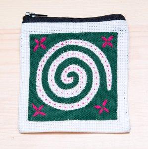ラオス モン族の子供が頑張って刺繍したポーチ Type.3
