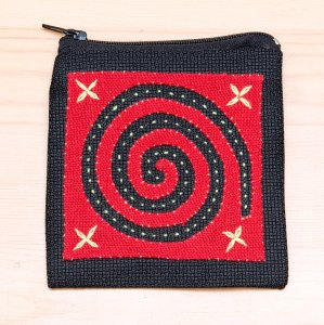 ラオス モン族の子供が頑張って刺繍したポーチ Type.4