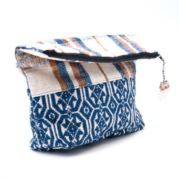 ルー族刺繍の大判ポーチ(オムツポーチ)