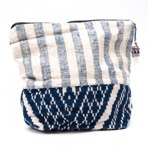 ルー族刺繍の大きなポーチ(オムツポーチ)