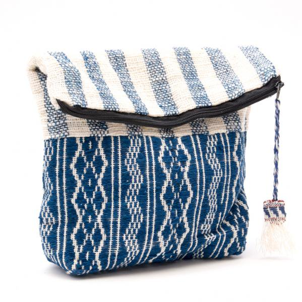 ルー族刺繍の深いポーチ(オムツポーチ)