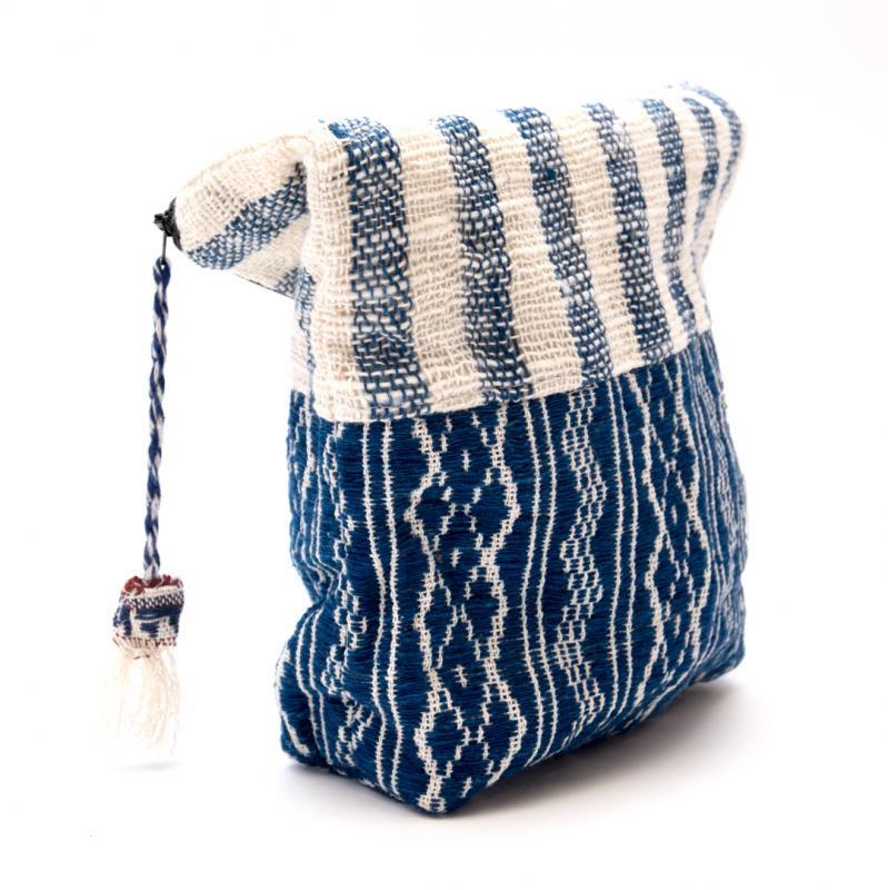 画像2:ルー族刺繍の深いポーチ(オムツポーチ)