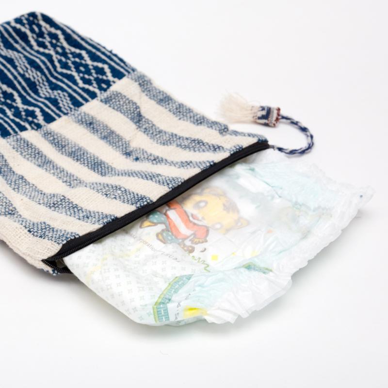 画像3:ルー族刺繍の深いポーチ(オムツポーチ)