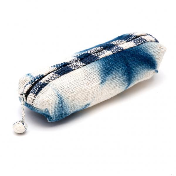 ルー族刺繍のインディゴ染ペンケース