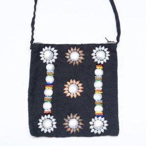 アカ族女性の手作りショルダーポーチ Type.1