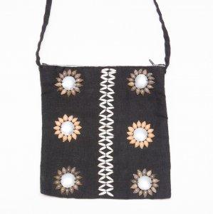 アカ族女性の手作りショルダーポーチ Type.2