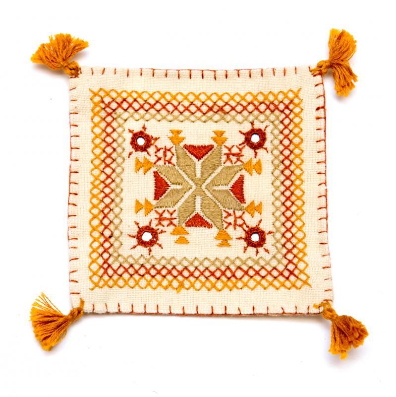 インドのミラーワーク刺繍コースター(ライトブラウン)