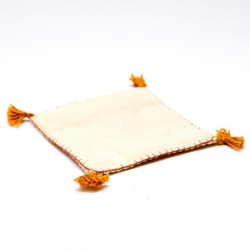 画像3:インドのミラーワーク刺繍コースター(ライトブラウン)