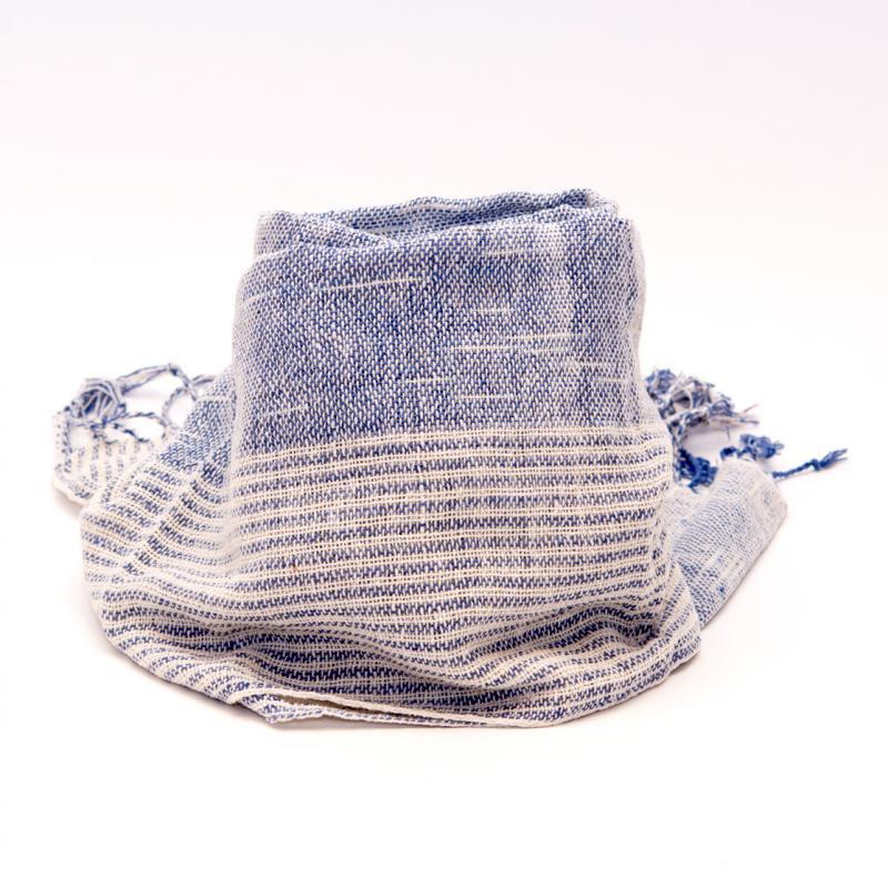画像2:ラオ族手織りのコットンストール(ストライプ&ブルー)
