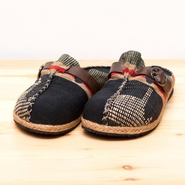 ナガ族刺繍のサボサンダル(ブラック)/室内外兼用スリッパ