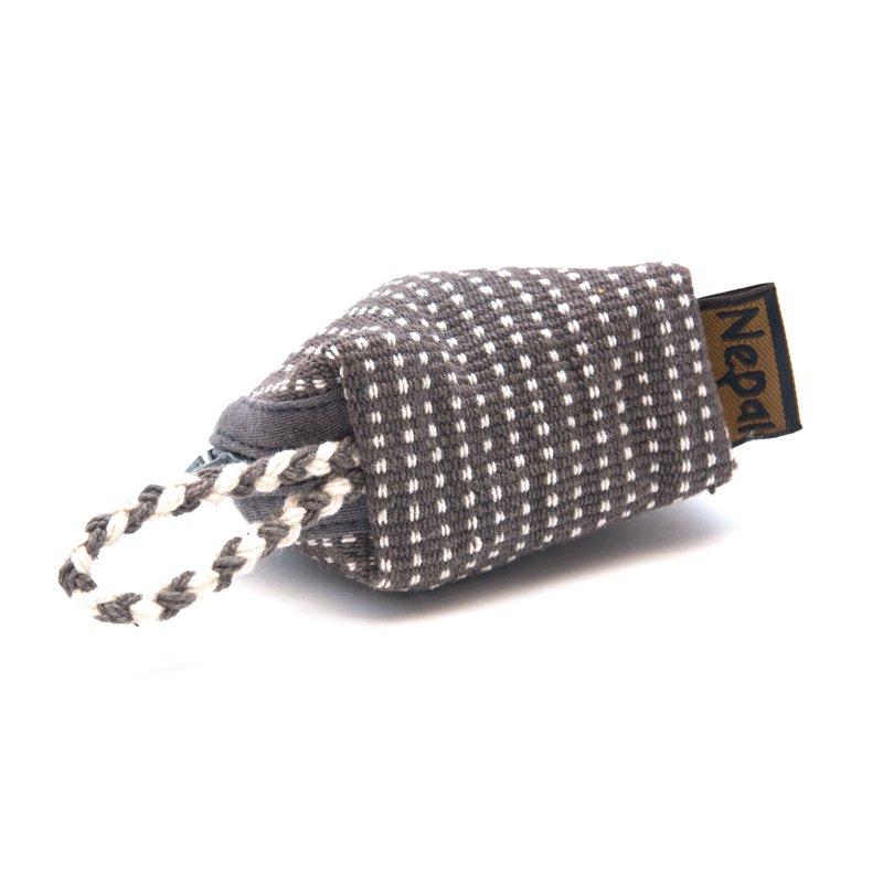 <フェアトレード>WSDO 手織布の草木染めコインケース(半円)Type.1