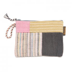 <フェアトレード>WSDO 手織布の草木染めパッチワークポーチS