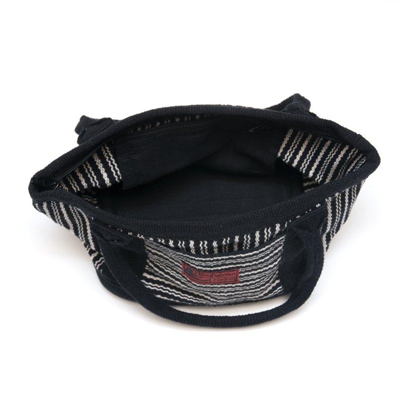 画像4:<フェアトレード>WSDO 手織布のランチバッグ(ブラックxストライプ)