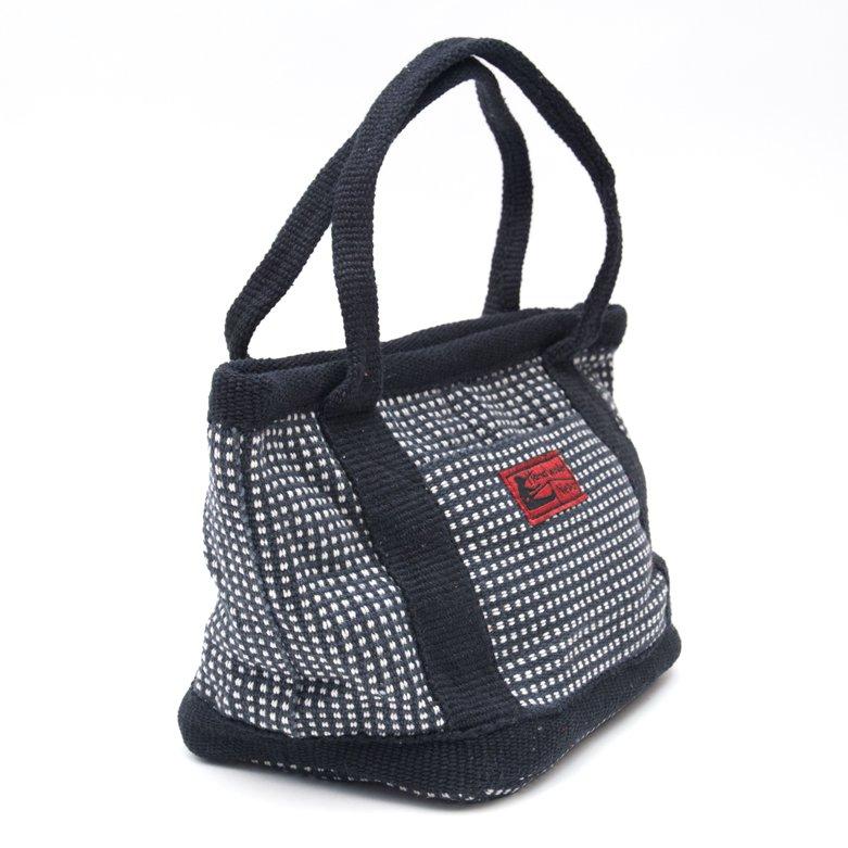 画像2:<フェアトレード>WSDO 手織布のランチバッグ(ブラックxチェック)