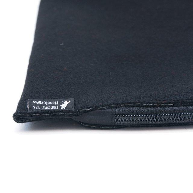 DYH ピュアウールのチベタンバティックMac Book Pro 13ケース(ブラック)