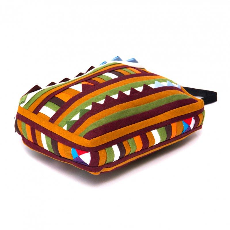 リス族刺繍のカラフルコスメポーチ(カーキ/オリーブ)