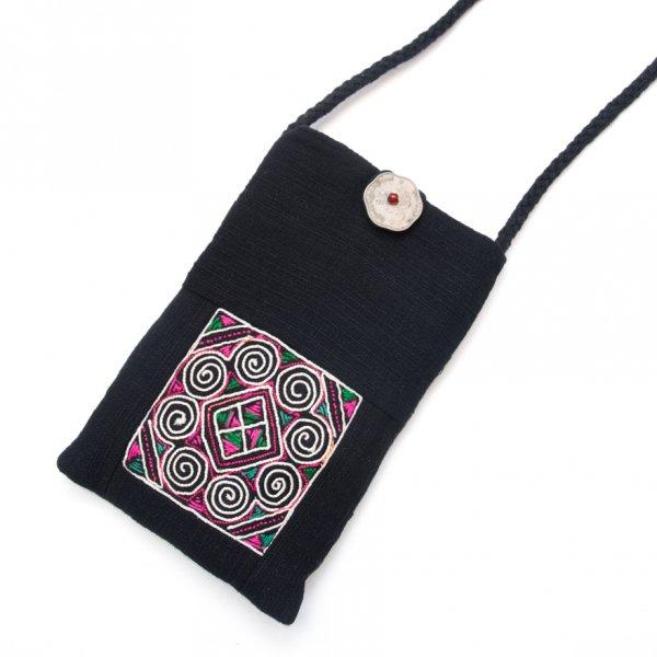 ThongPua モン族刺繍古布のスマホポーチ(ブラック)Type.1