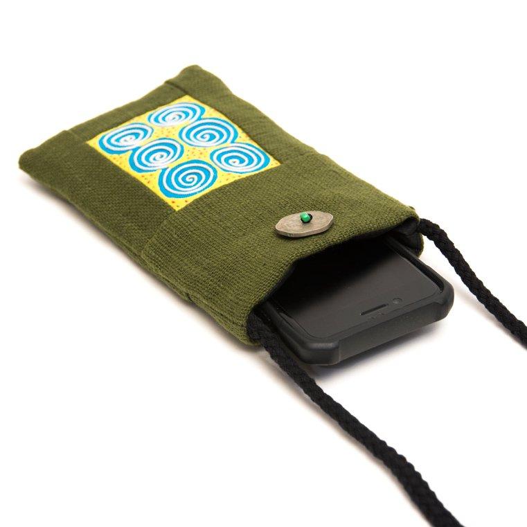 画像2:ThongPua モン族刺繍古布のスマホポーチ(グリーン)