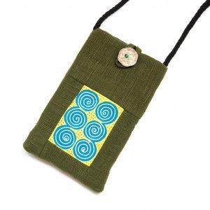 ThongPua モン族刺繍古布のスマホポーチ(グリーン)