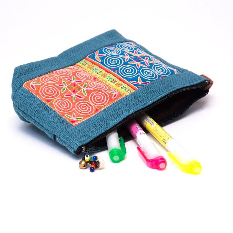 画像3:ThongPua モン族民族刺繍古布の化粧ポーチ(ブルー)