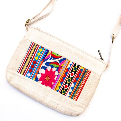 ThongPua 山岳民族モン族刺繍古布のショルダーポシェット Type.1