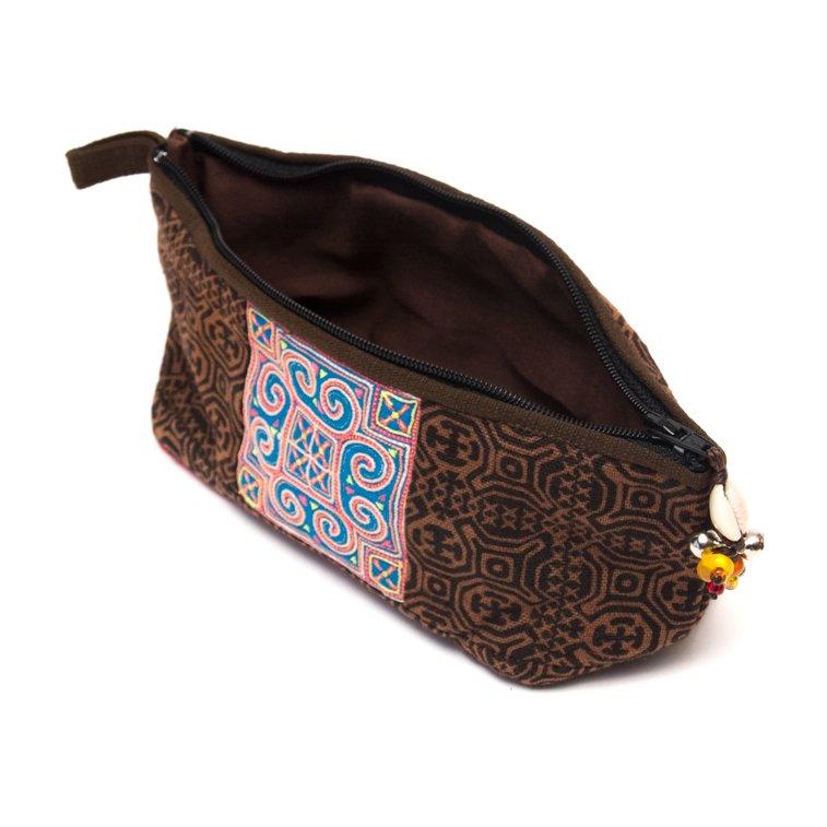 画像2:ThongPua 「タイの山岳民族」モン族の刺繍古布ペンケース(ブラウン)