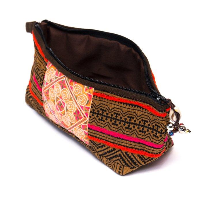 画像2:ThongPua 「タイの山岳民族」モン族の刺繍古布ペンケース(カーキ)