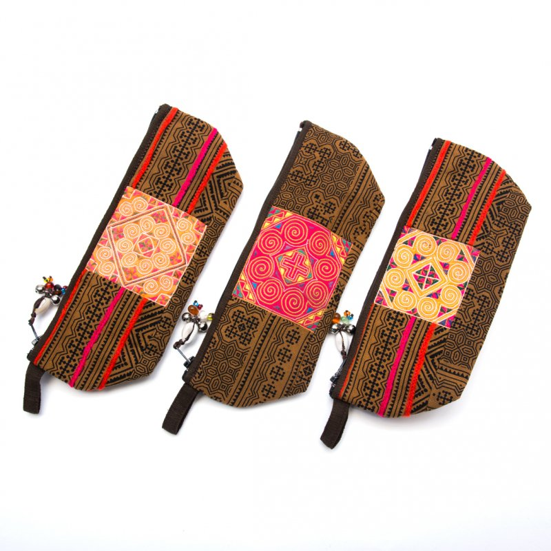 画像4:ThongPua 「タイの山岳民族」モン族の刺繍古布ペンケース(カーキ)