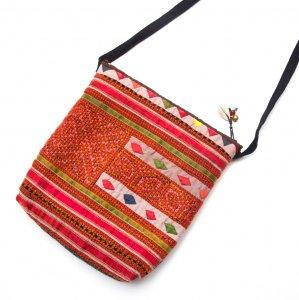 ThongPua モン族刺繍のふんわりポシェット Type.3(一点もの)