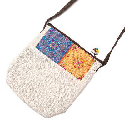 ThongPua 山岳民族 モン族の刺繍ポシェット