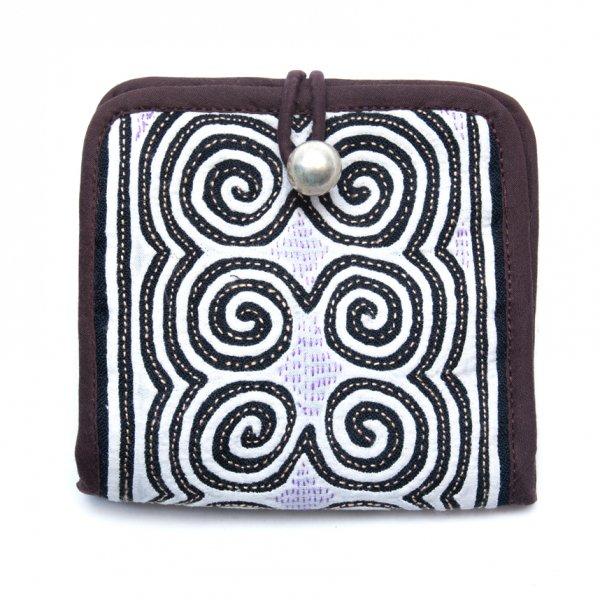 ThongPua モン族ヴィンテージ刺繍の二つ折り財布 Type.3(一点もの)
