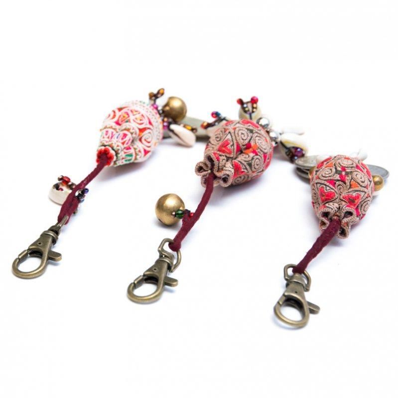 画像3:ThongPua 中国モン族(苗族)ヴィンテージ刺繍のキーホルダー