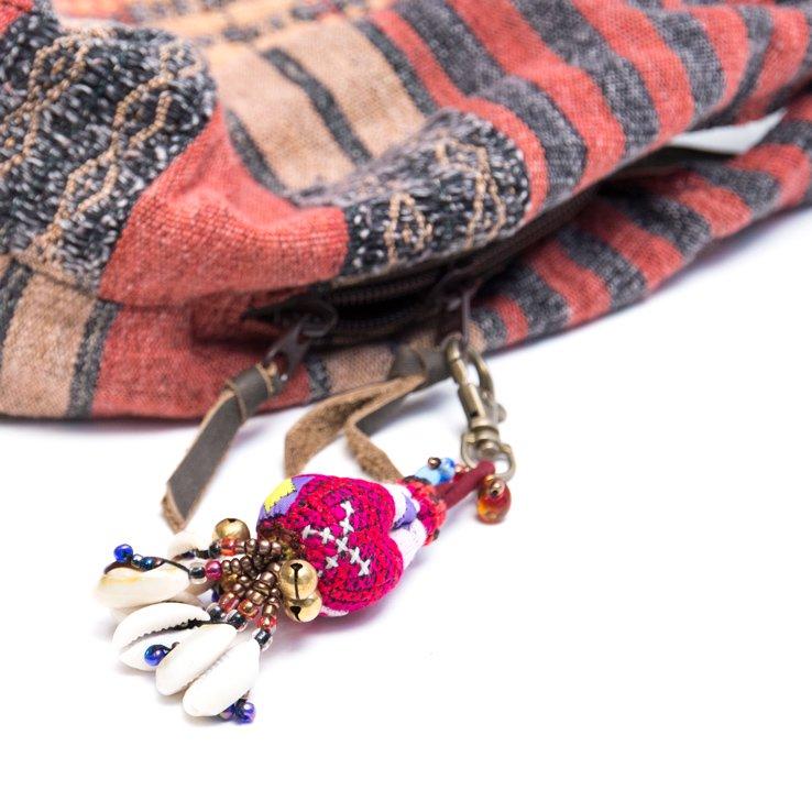 画像4:ThongPua 色鮮やかなモン族ヴィンテージ刺繍のキーホルダー