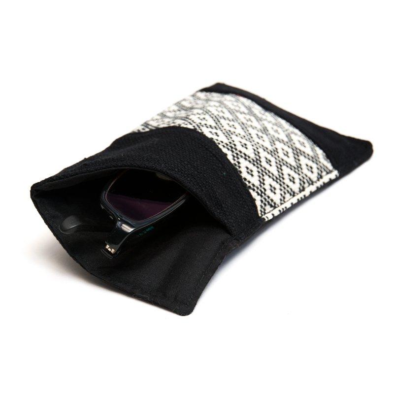 <フェアトレード>TTCrafts ラフ族手織りのふんわりメガネケース