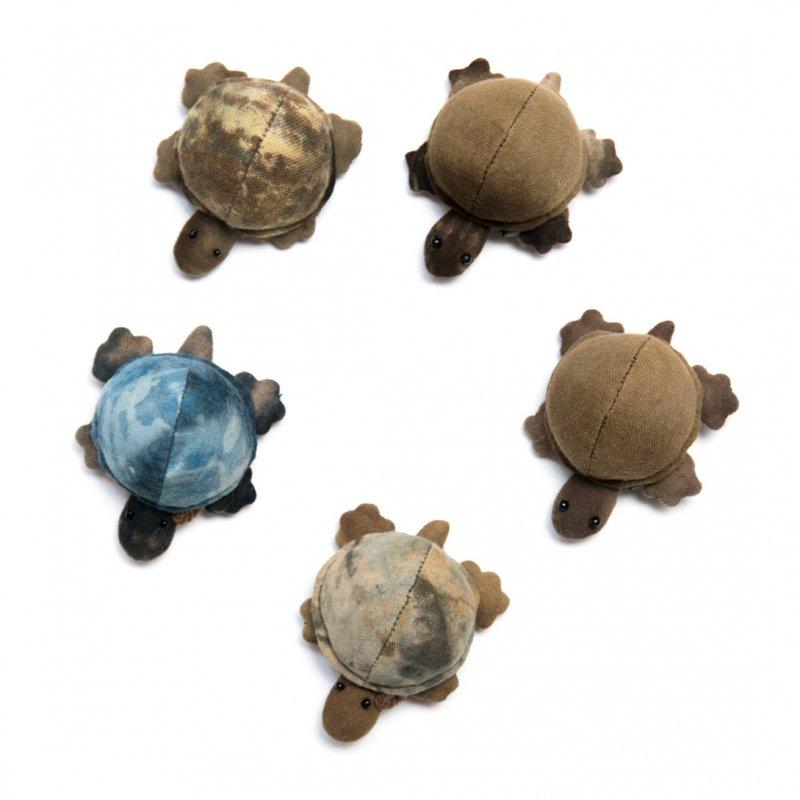 画像4:藍染め 手縫いのかわいいカメさん Type.4(5種)