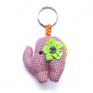 手縫いゾウさんのクッションキーホルダー Type.13