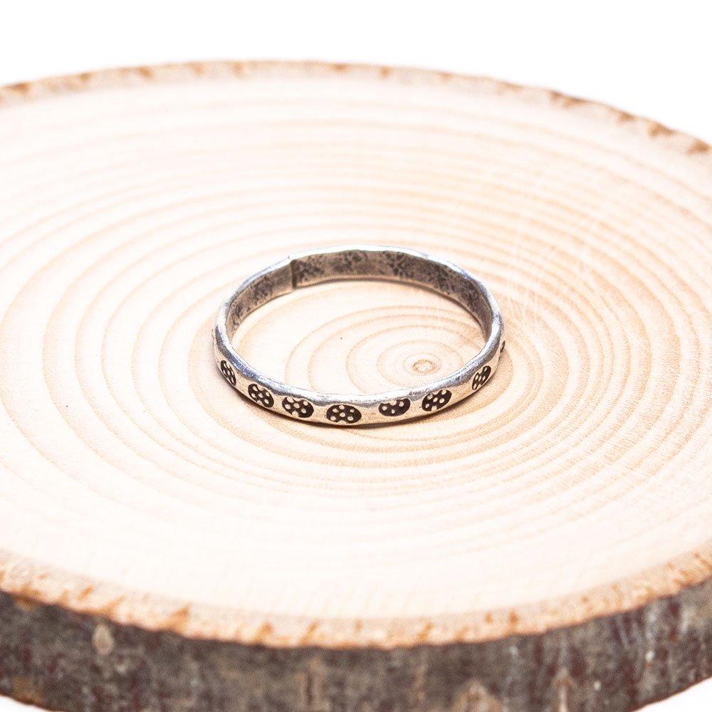 画像2:【カレン族シルバー リング】パドゥアが刻印されたシンプルで細いハンドメイドリング
