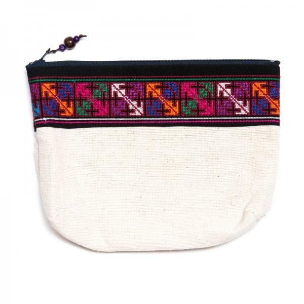 A Bu-Ari(アブアリ)アカ族刺繍のバックインバック