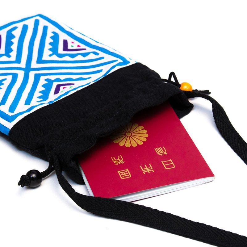 画像2:A Bu-Ari(アブアリ)モン族刺繍の巾着ポーチ Type.1