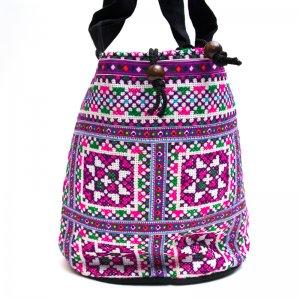 モン族 民族刺繍古布を使用したハンドバッグ(パープルxホワイト)