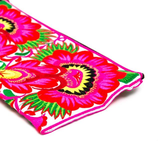 中国モン族(苗族)の大きめ刺繍ポーチ Type.5