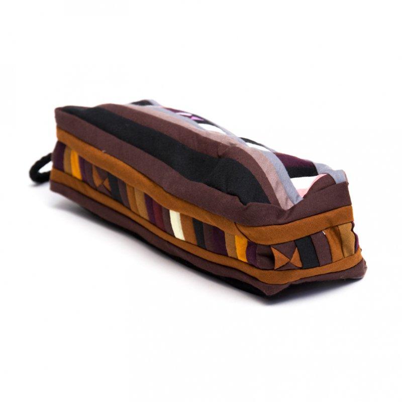 リス族 民族刺繍のカラフルペンケース(ブラウン)