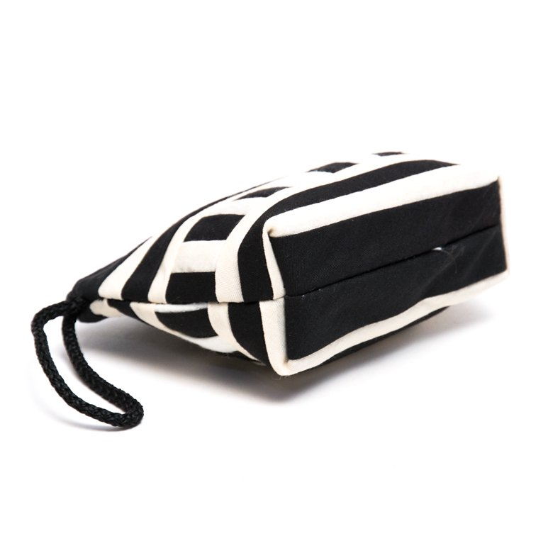 リス族刺繍のカラフルコインケース(ホワイト)