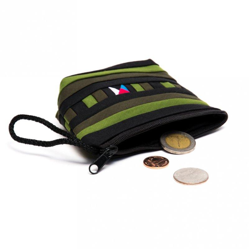 画像3:リス族刺繍のカラフルコインケース(グリーン)